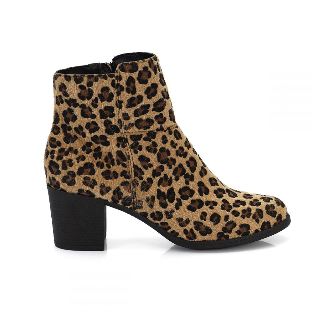 014486f9ff Bota Kate Cano Curto Bico Redondo Animal Print Onça – Not-me Shoes