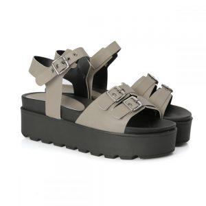 sandália tratorada, sandália com fivelas, metal, sandália feminina, sandália flat, sandália alta, verão, tamanco, confortável, pólvora, cinza, chumbo, sandália tiras, blogueira, moda
